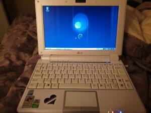 An EeePC 1000H running Debian Buster.